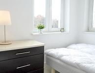 Prywatny jasny pokój dla 2 osób z podwójnym łóżkiem i widokiem na Stare miasto. Rozmiar 7 m2. Łazienka wspólna